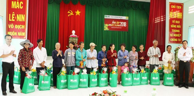 Ấm lòng Tết cho người nghèo tại xã Long Hậu, huyện Cần Giuộc