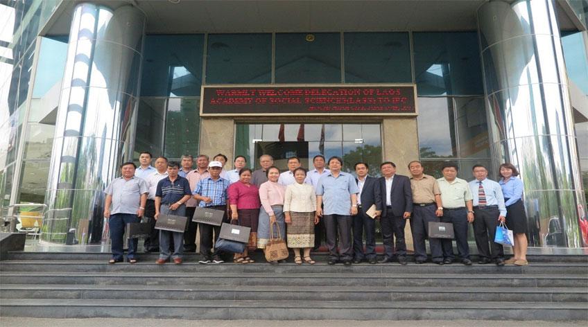 Công ty TNHH MTV Phát triển Công nghiệp Tân Thuận tiếp đoàn cán bộ cấp cao Viện Khoa học xã hội Quốc gia Lào (LASS)