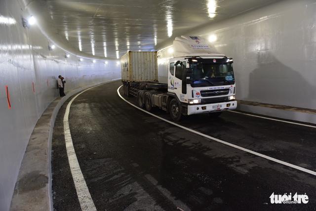 Thông xe hầm chui nút giao thông Mỹ Thủy