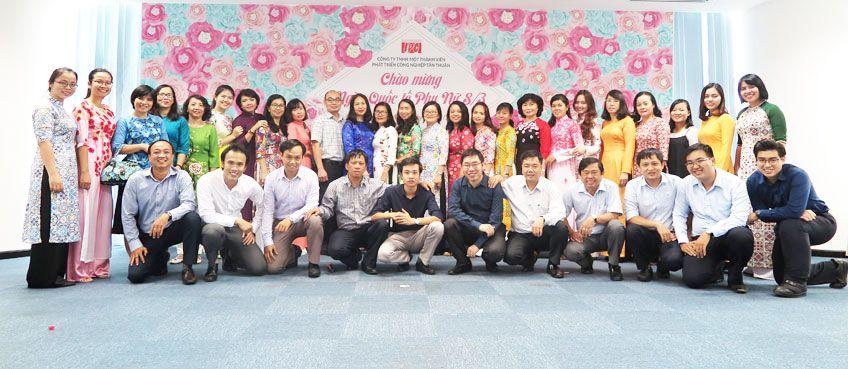 Công đoàn cơ quan, Đoàn thanh niên Văn phòng Công ty TNHH MTV Phát triển công nghiệp Tân Thuận (IPC) đã tổ chức buổi gặp mặt thân mật nhân dịp kỷ niệm ngày quốc tế phụ nữ 8/3/2018.