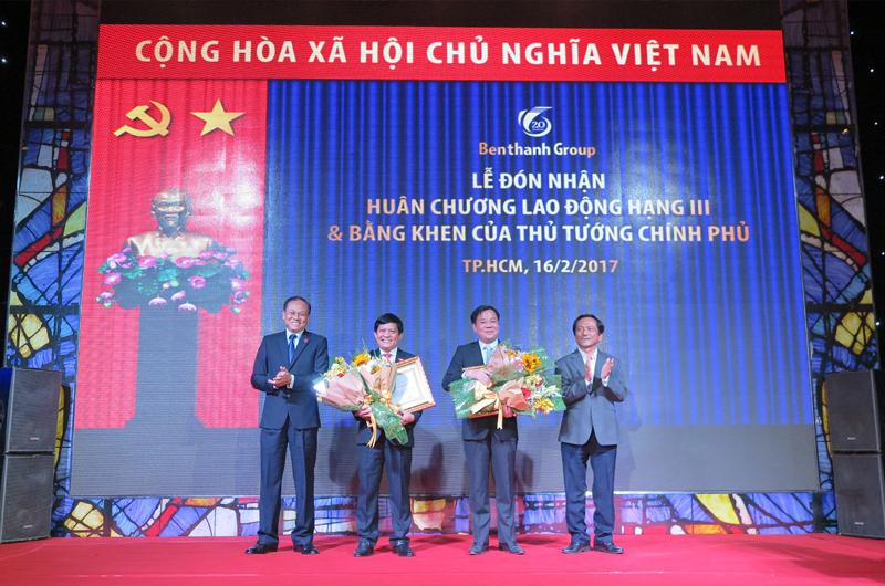 Lễ trao tặng huân chương lao động Hạng ba cho Đồng chí Tề Trí Dũng - Tổng Giám đốc Công ty IPC